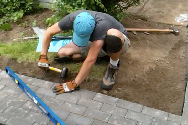 laying pavers plus how to cut pavers