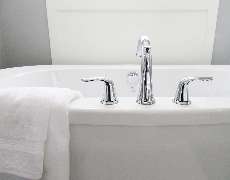 Arredo bagno di design le nuove tendenze 2018 per la rubinetteria - Nuove tendenze bagno ...
