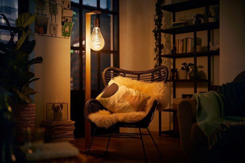 salotto atmosfera calda con luci