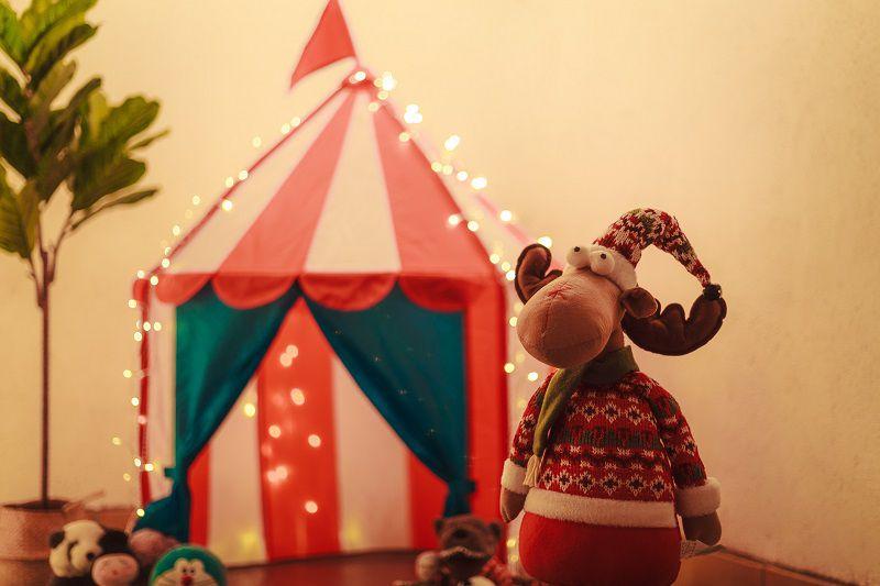 atmosfera natalizia bambini luci led