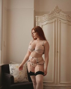 Sexy redhead lingerie: @missdeadlyred
