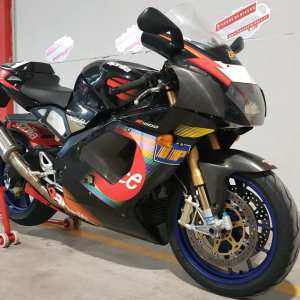 Aprilia RSV 1000 R Colin Edwards