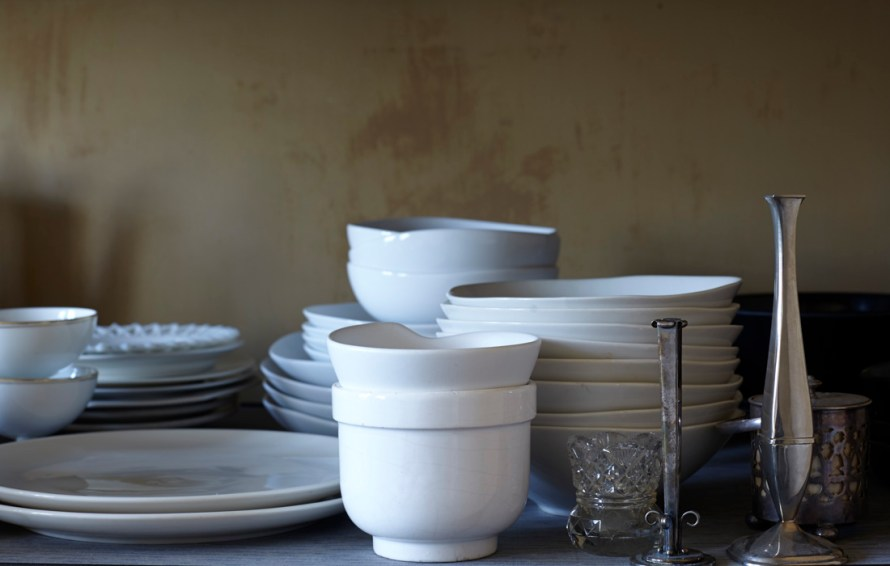 HOB_PropRoom_Dishes_2