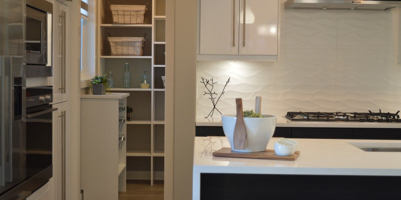 11 Essential Accessories for Kitchen Cabinets