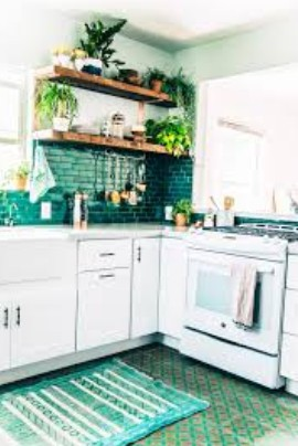 Kitchen Cabinet Painting: Green Jungle
