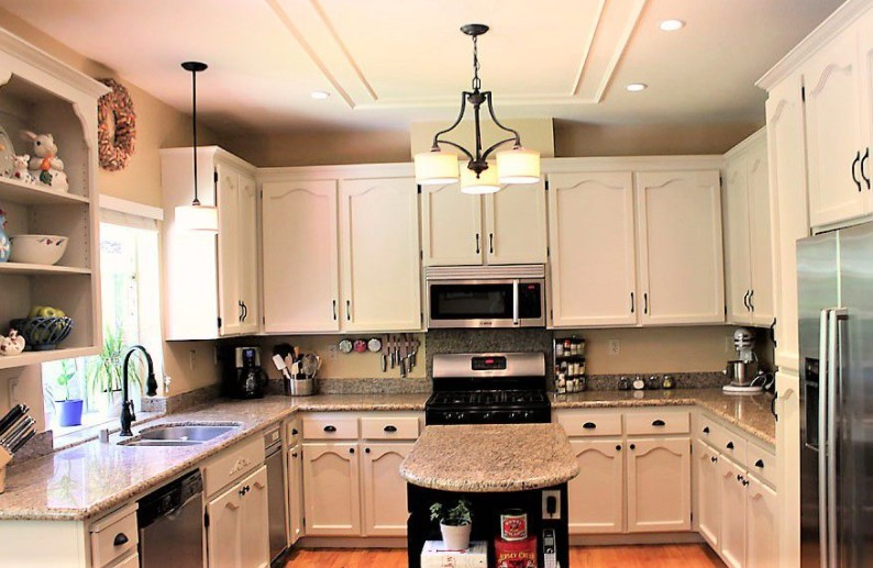 10 Painted Kitchen Cabinet Ideas | Helpful Articles | %