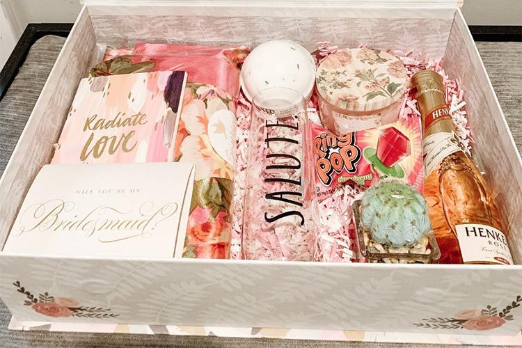 houseofclassy-mercedesritchie-bridesmaid-box