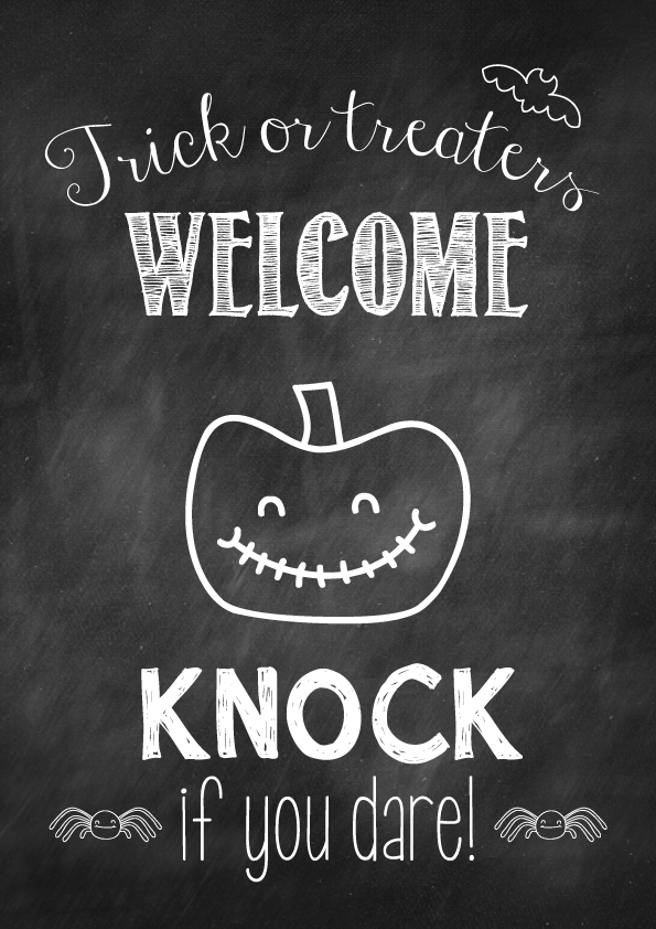 Halloween free printable trick or treaters welcome