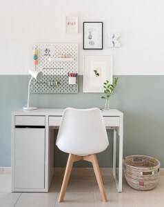 Kaitlyn's new desk mini makeover & GIVEAWAY