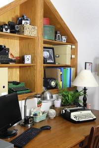 Home Office Decor: Vintage Style - House of Hawthornes