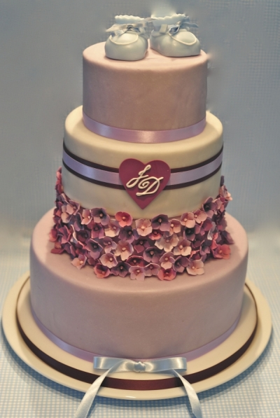 Torte fr Hochzeit und gleichzeitiger Taufe Cake for wedding combined with a baptism  House of