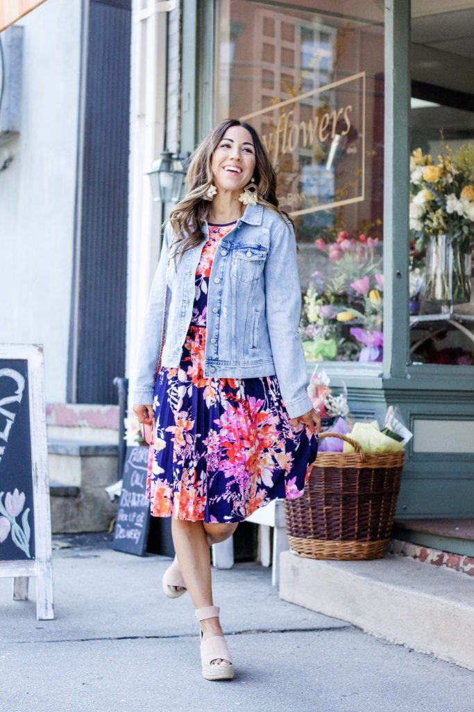 $58 Dresses at Maggy London by top US fashion blog, House of Leo Blog: image of a woman wearing the Maggy London Lorraine dress