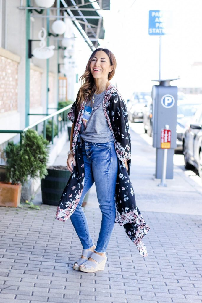 Evereve Spring Pieces Under $100 by top US fashion blog, House of Leo Blog: Image of woman wearing Chaser bull tank, Kut from the Kloth denim, Kenneth Cole espadrilles, Michael Stars kimono