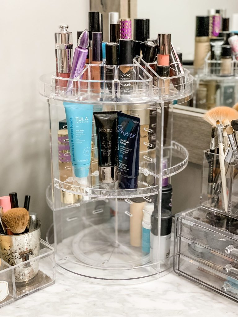 Amazon Haul July by top US fashion blog, House of Leo Blog: image of rotating makeup organizer