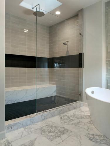 dark tiles bathroom whaciendobuenasmigas