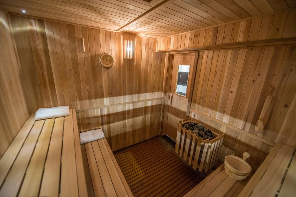 WHAT TO EXPECT WHEN VISITING A TRADITIONAL RUSSIAN SAUNA