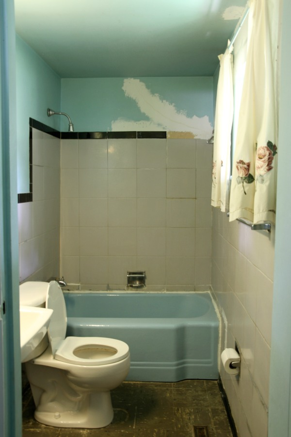 flip house master bathroom