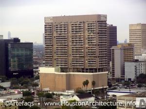 Houston House Apartments 1617 Fannin