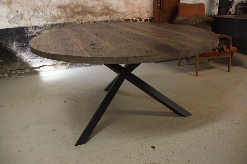 Houten tafel met stalen frame  Mooimakerij  Houtkwadraat