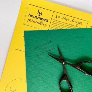 print het eerste vel op geel papier en het tweede vel op groen papier