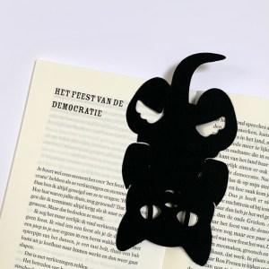 lekker op zijn kop in je favoriete boek ideaal kado bij een boekenbon