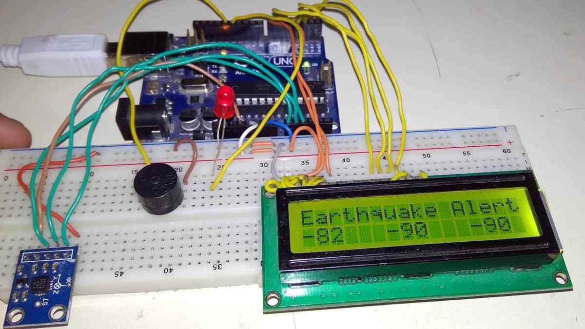 Arduino Earthquake Detector Alarm with Seismic Graph using Accelerometer
