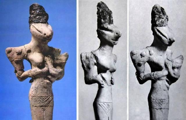 Reptile looking figurines