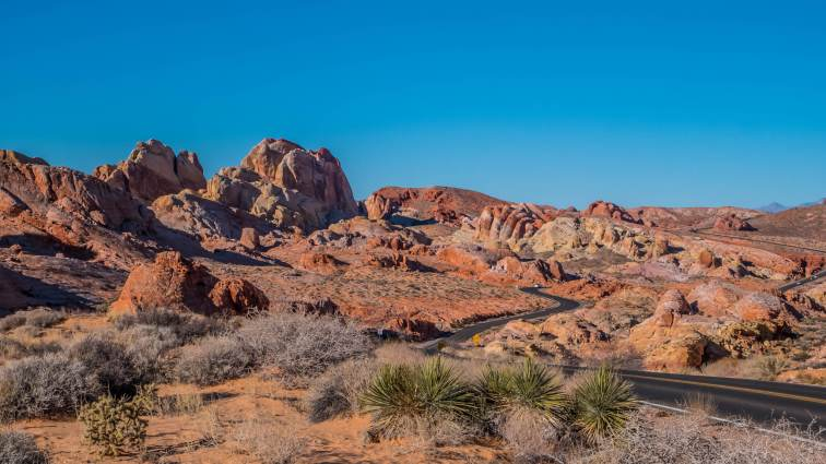 Valley of Fire State Park, Nevada, red rocks and white domes
