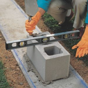 How to Lay Concrete Block2