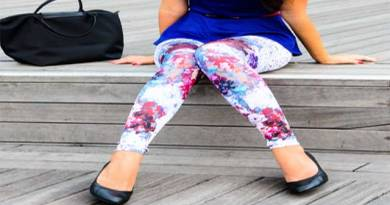 How To Wear Leggings (With Pictures)