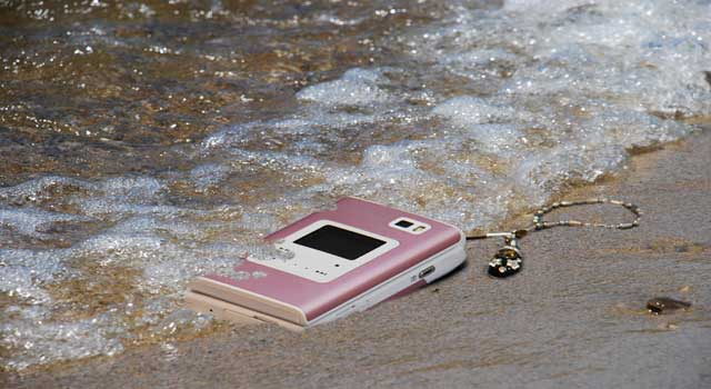 How to Fix a Wet Phone