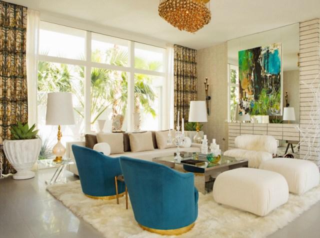 Elegant White & Blue Sofas Couch Fur Rug White Lamps