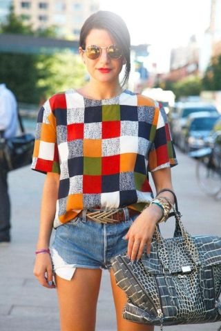 Outfit Inspiration - The Not So Basic Printed Tee - The Face Of Style