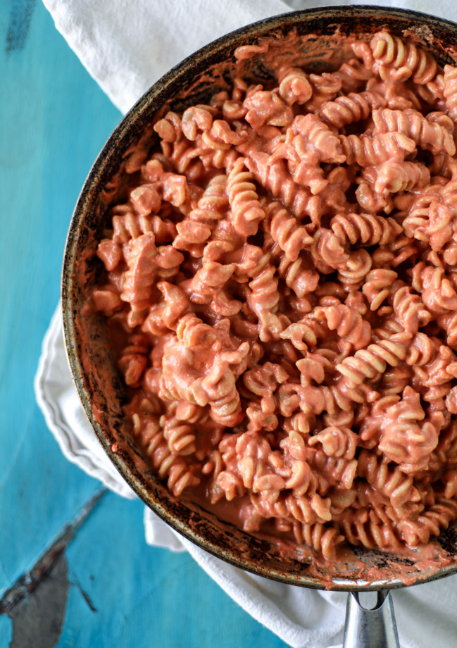 tomato cream pasta with grilled cheese crumbs I howsweeteats.com
