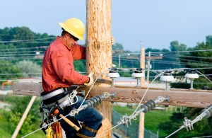 how to become a lineman