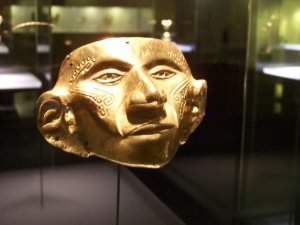 One of the many gold exhibits in the Museo de Oro