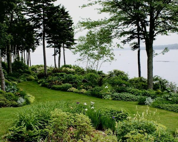 informal english garden . formal