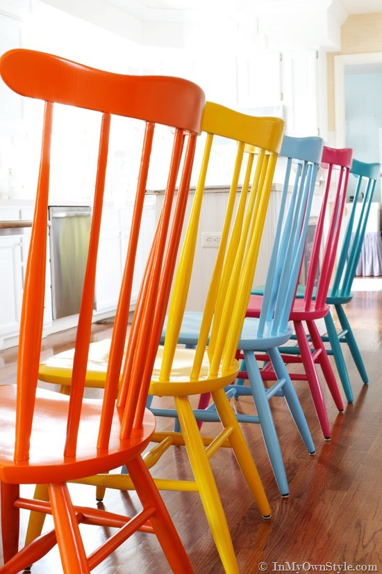 How to spray paint colorful wooden chairs step by step DIY