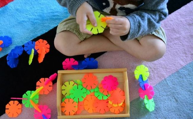 Plastic Toys What Makes The Grade In Our Montessori Home