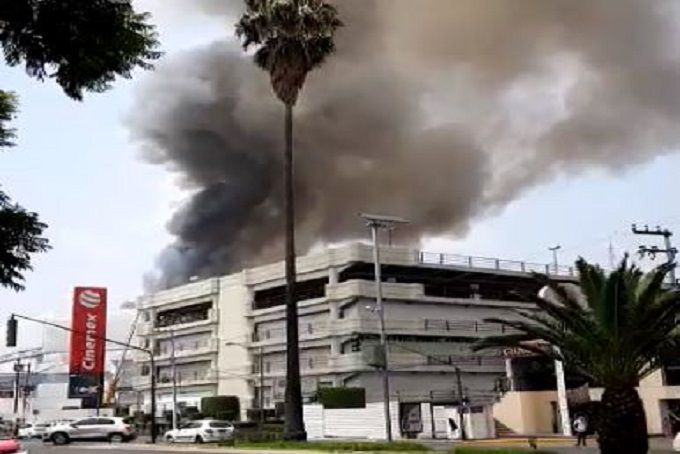 Video Se Registra Incendio En Galerías Coapa Hoyestado Com