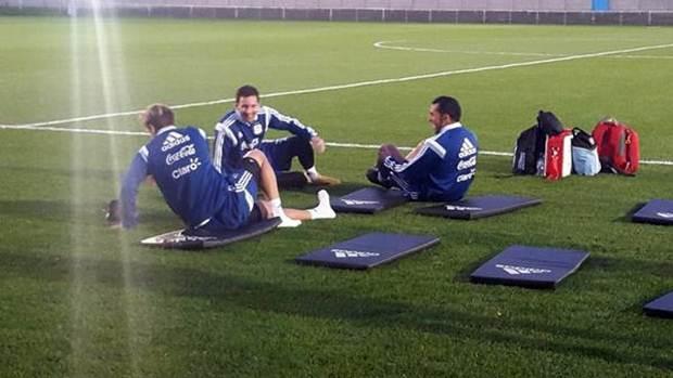 Biglia-Messi-Tevez