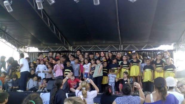 «La Colmena del Sur» convocó una multitud en Barrio San Martín