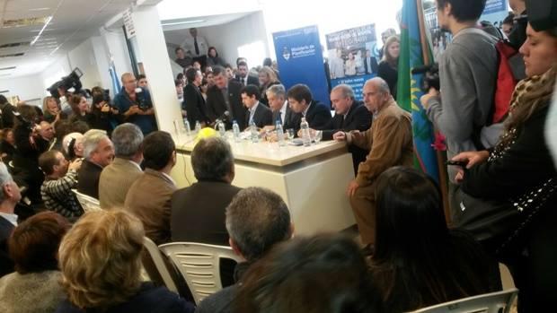 De Vido, De Pedro, Ustarroz y Selva inauguraron obras en el Hospital Blas L. Dubarry