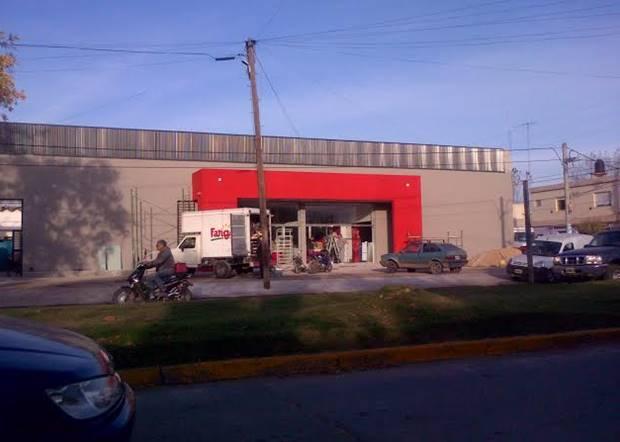 """Frente Mercedino cuestionó """"las burlas a la ley y el perjuicio al pequeño comerciante"""" en la habilitación de un supermercado"""