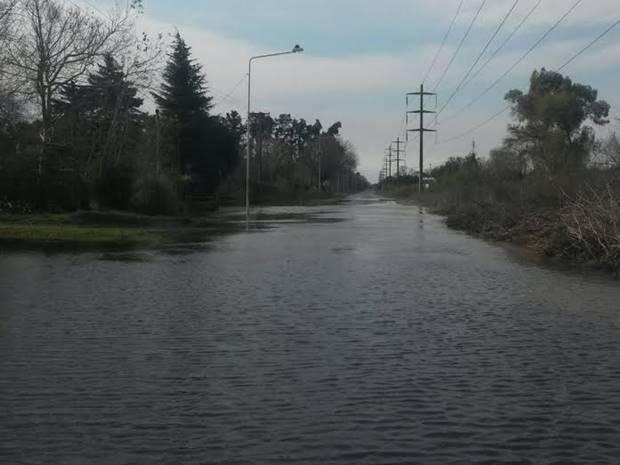 Mercedes bajo el agua