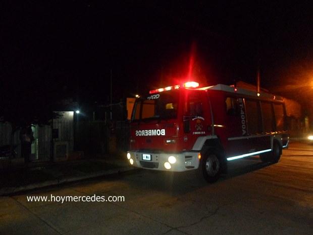 Principio de incendio generó rápido accionar de los bomberos