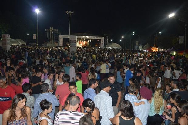Multitudinaria 40ta edición de la Fiesta Nacional del Durazno