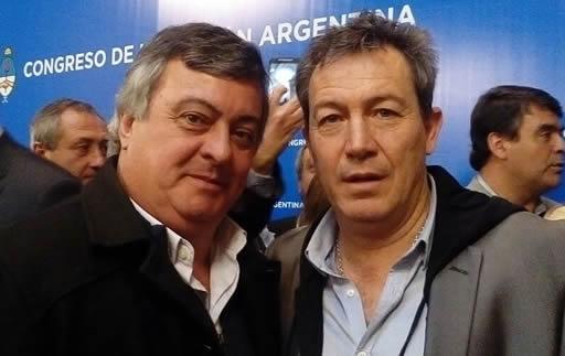 "El Diputado Carlo Selva junto al futbolista ""Chino"" Tapia"