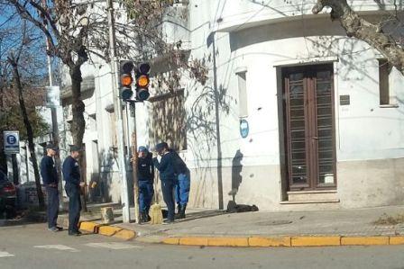Policía Local colabora con el mantenimiento comunal