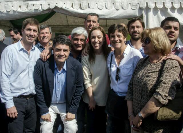Vidal vino, recorrió, habló con el público y se fue sin hablar con los medios